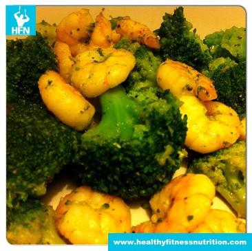 Brokkoli und Shrimps in Petersilie-Knoblauch-Olivenöl Marinade