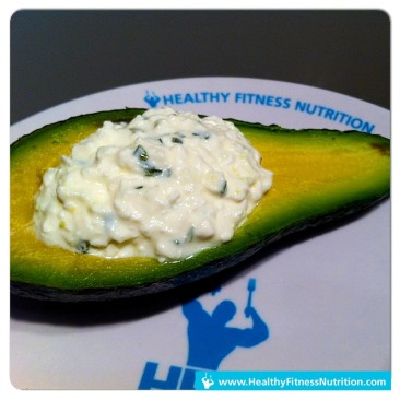 Fitness Snack: Avocado mit Cottage Cheese