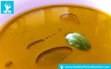 Low-Carb Pumpkin Soup with fitOil and Barley Grass Powder